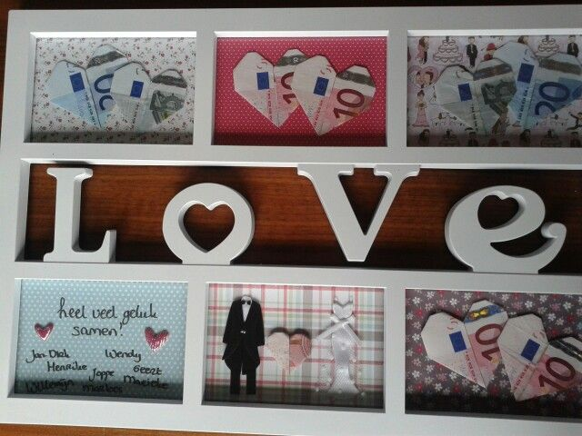 Leuk cadeau voor een bruiloft. Fotolijstje, vullen met geld-hartjes, vrolijk papier e.d. ©Marloes&Marieke