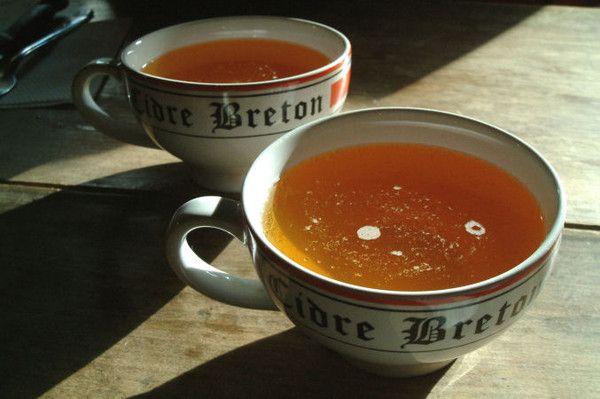 Une bonne bolée de cidre Breton ! !