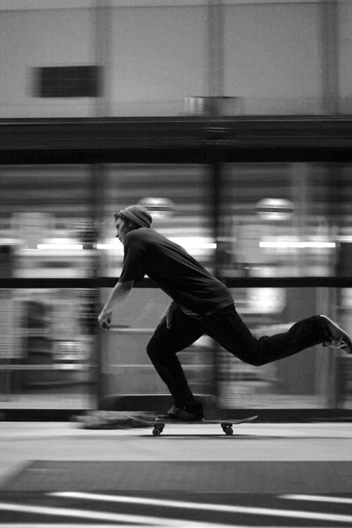 This photo started giving me ideas about motion. That has so much to do with skateboarding if not everything. I think it would be very cool if I could incorporate motion into my illustration with a cool graphic piece on top.