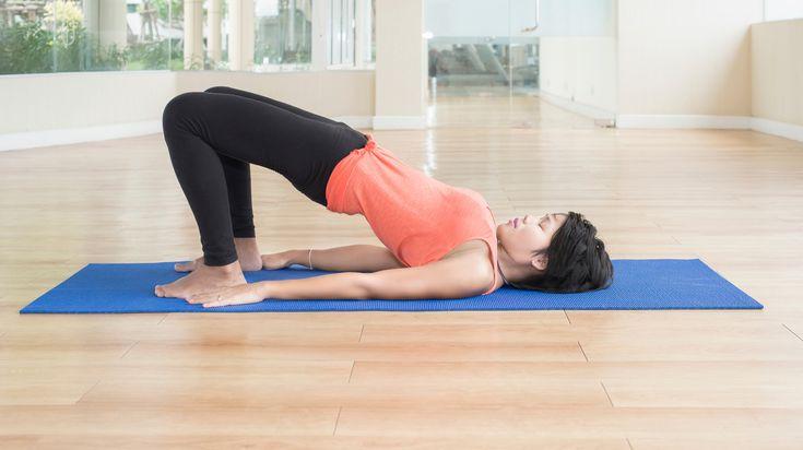 Wil jij je core-stability verbeteren? Dan is de brug, ook wel de bridge of het bruggetje genoemd, een oefening die niet mag ontbreken in je dagelijkse work-out.