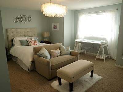 Pretty paint color bm woodlawn blue home decor for Blue and taupe bedroom ideas