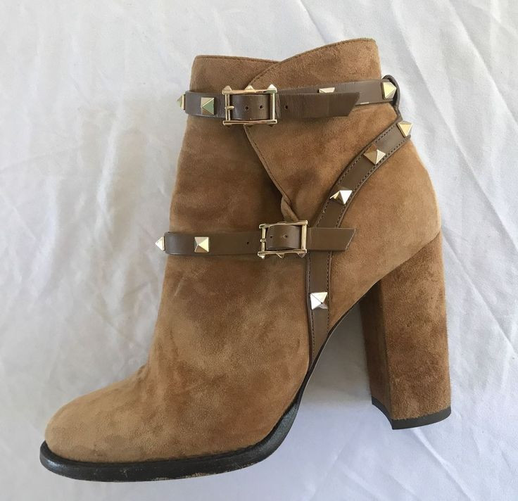 ~ VALENTINO TAN SUEDE ROCKSTUD ANKLE BOOTS / BOOTIES (BEYOND COOL!)  37.5 #VALENTINO #ANKLEBOOTS