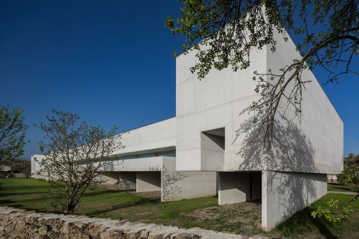 Gallery of Nadir Afonso Contemporary Art Museum by Álvaro Siza Opened its Doors in Chaves, Portugal - 96