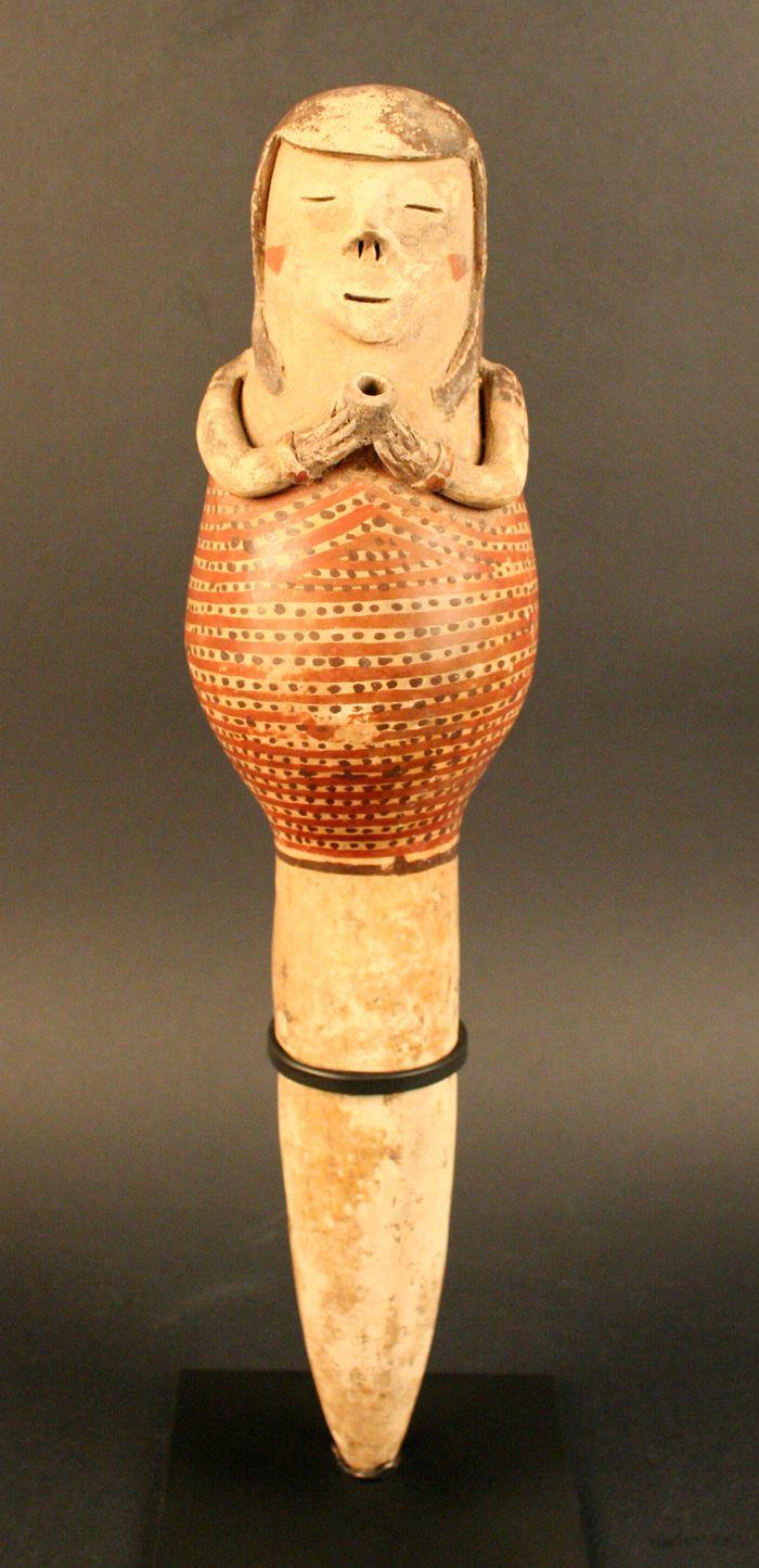 ARTE PRECOLOMBINO ECUATORIANO 8.TUNCAHUÁN Carchi, Cañar y Azuay 500 a.C – 500 d. C Destaca la cerámica doméstica y las figuras humanas están representadas en objetos de tamaño, pequeño y condecorados de color rojo y blanco.