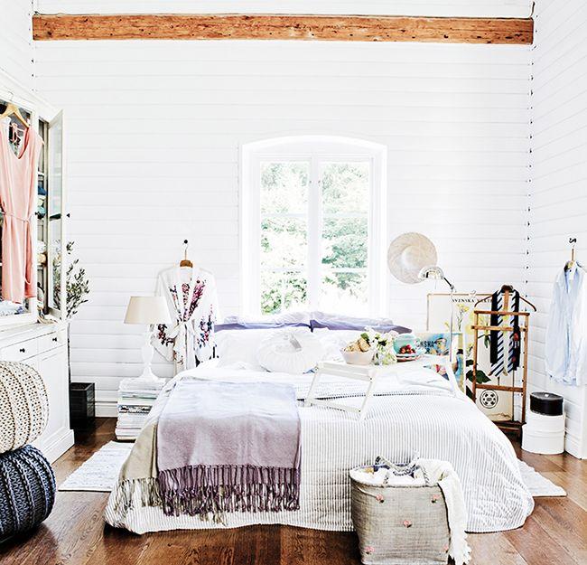 """Dormitorio """"desordenado"""" con estilo"""