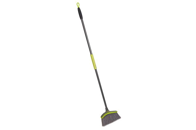 Over the past six months, we spent 125 hours researching 215 brooms, dustpans, and dust mops, and testing 36 of them firsthand. We interviewed cleaning experts, surveyed hundreds of readers, worked…