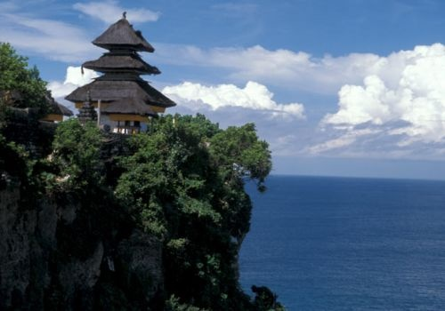 Visit Uluwatu temples during the sunset