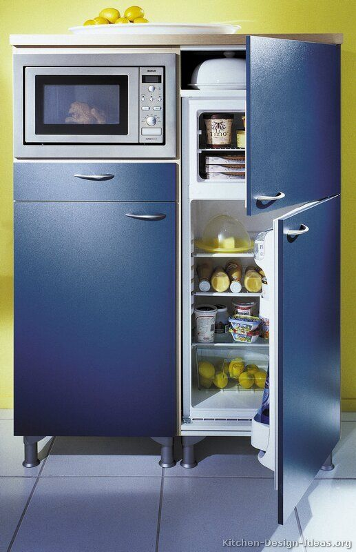 Kitchen of the day blue built in from the two tone for Alno kitchen cabinets