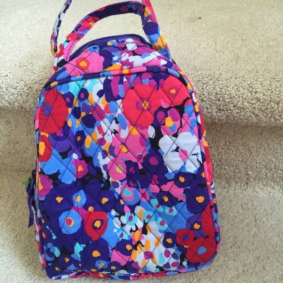 "Vera Bradley Lunch Bag     NWT New Pattern Impressionista measures 7"" X 9"" X 4"". Vinyl lined for food. Has  ID slot. Can get matching backpack and cosmetic case. Vera Bradley Bags Cosmetic Bags & Cases"