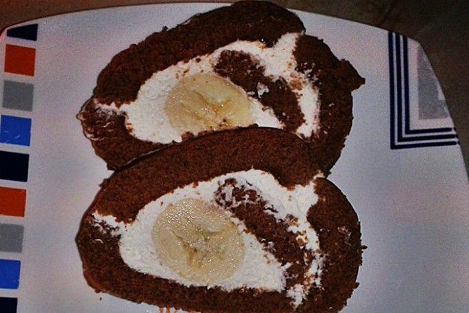 Čokoládová roláda s banánem   NejRecept.cz