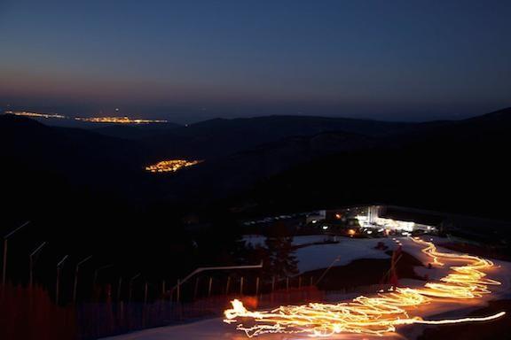 Disfruta de la Bajada de Antorchas en Javalambre - http://www.valenciablog.com/disfruta-de-la-bajada-de-antorchas-en-javalambre/