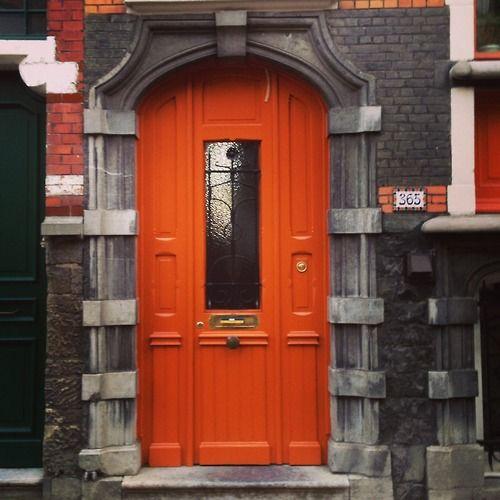 Fel oranje deur. #gent (315/365)