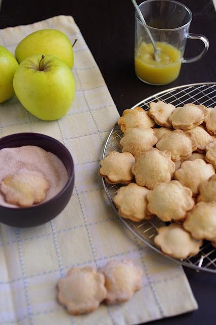 apple filled cookies