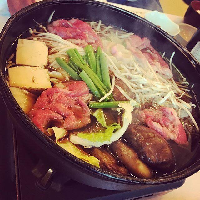 #すき焼き#肉#白菜#豆腐#もやし#えのき#おふ#ネギ#しいたけ#ビール#新歓#〆#うどん#はやし#和歌山#たまご#後輩#ラブ #sukiyaki#tofu#hot#beer#new#face