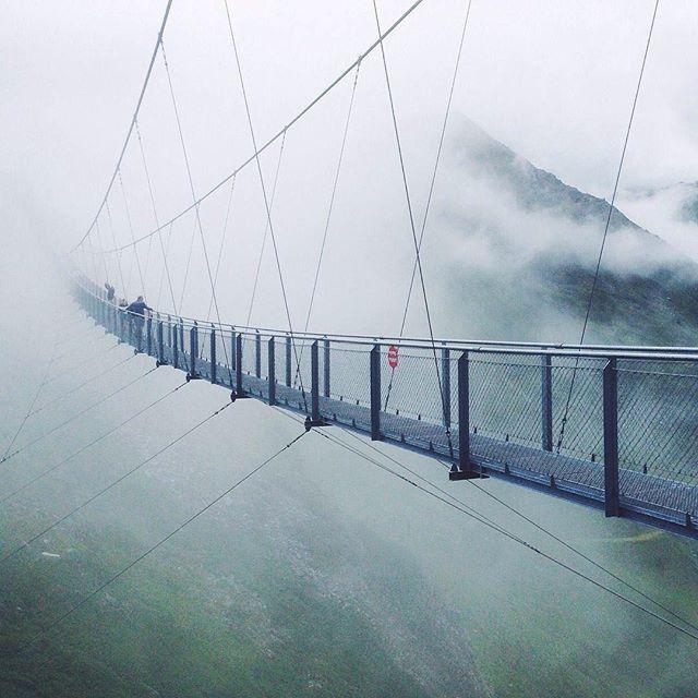 Would you walk on this bridge? // Stubnerkogel // Bad Gastein // Austria // photo by @nicolemschurz via @visitbadgastein #munichandthemountains More Urban & Alpine Inspiration On Our Blog: www.munichandthemountains.com