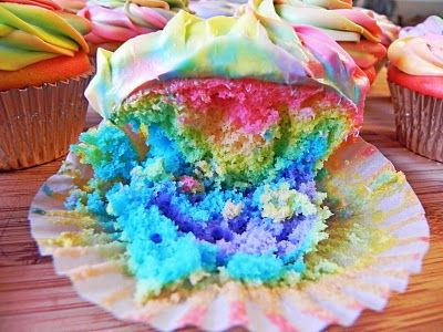 Easier Than They Look! Tie Dye Cupcakes!Tiedye, Mangia Mondays, Ties Dyed Cupcakes, Easy Ties Dyed, Delight Dowling, Cupcakes Rosa-Choqu, Easy Cupcakes, Ties Dyes Cupcakes, Tye Dye
