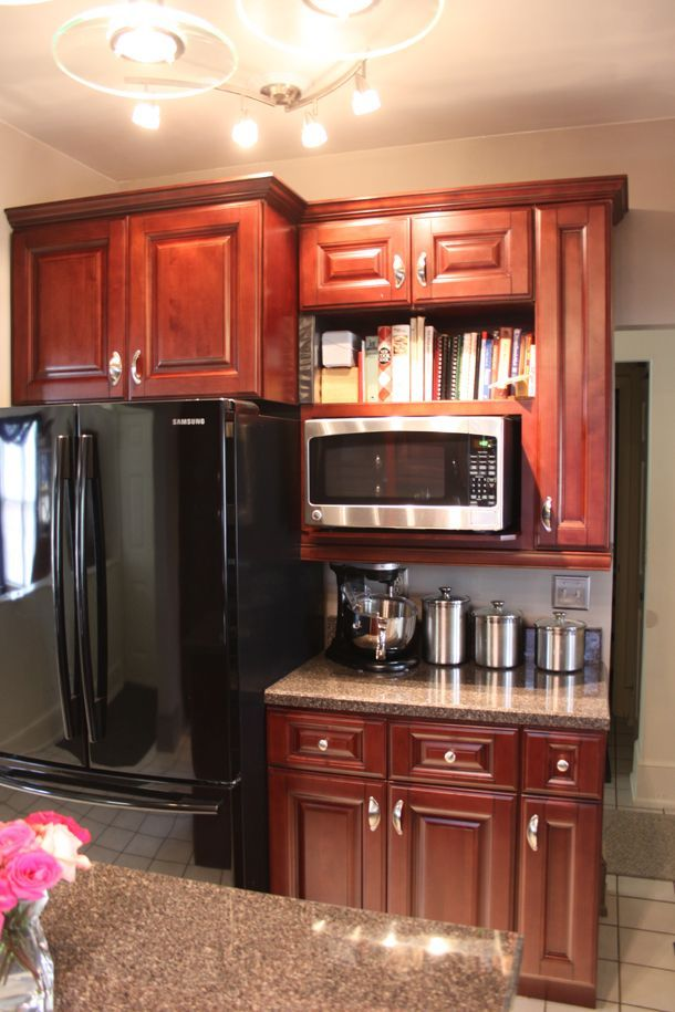 Copyright Kitchen Cabinet Discounts Tom & Judy AFTER RTA Kitchen Cabinet Makeovers 4