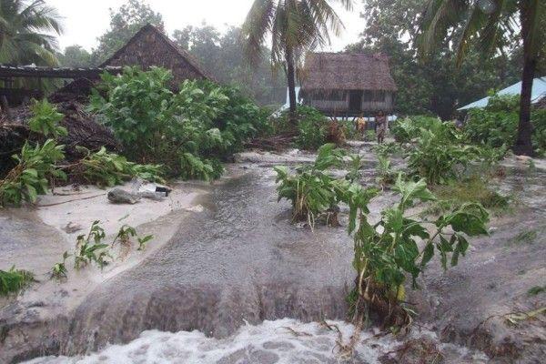 Cyclone Pam devastates Vanuatu archipelago