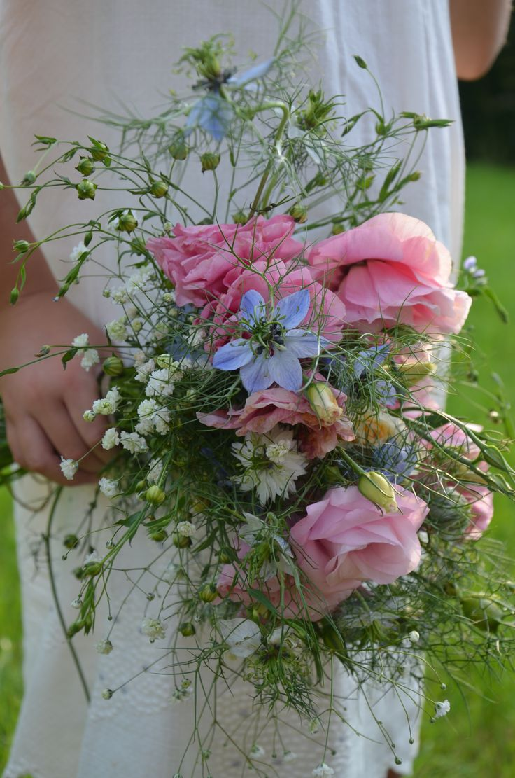 Barefoot in the meadow  bouquet