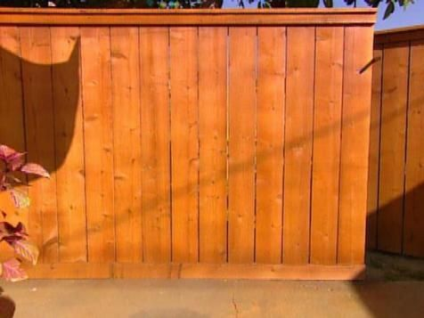 Carter Oosterhouse shows how to install a cedar fence.