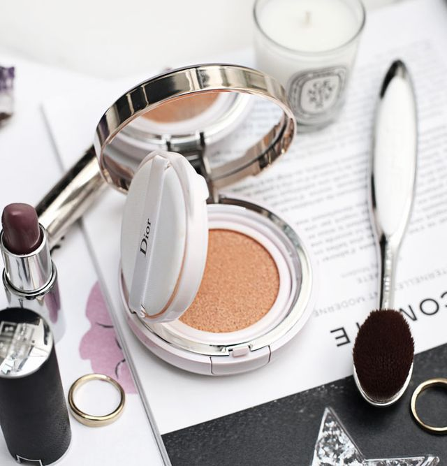 A cushion foundation is perfect when you want a flawless base, but still want to maintain a natural look. This weightless formula will conceal your imperfections and leave your skin feeling more radia