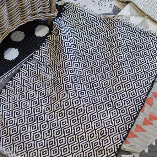 Tapis rectangulaire en coton noir losanges écrus Jardin d'Ulysse