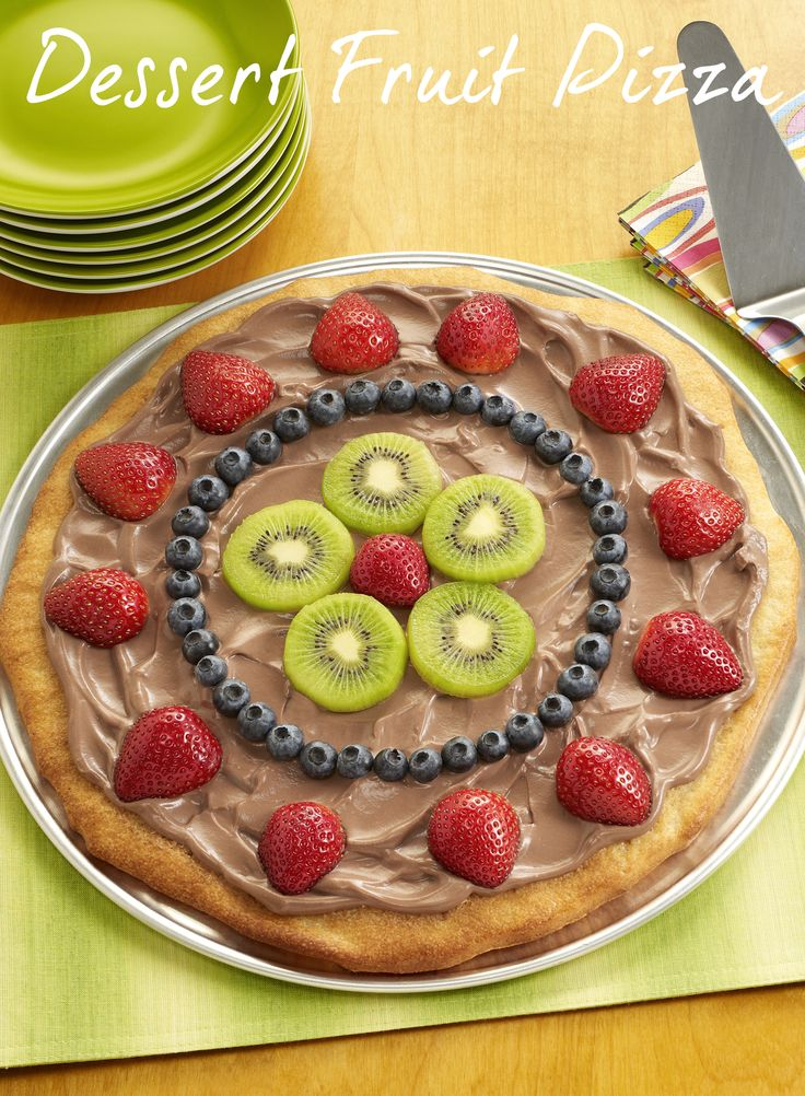 Dessert Fruit Pizza is the best kind of pizza!