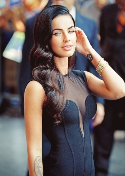 Megan Fox—I can totally achieve this hair length. I just have to actually leave it alone and let it grow.