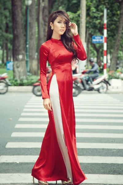 simple red ao dai and white pants. love the fit.
