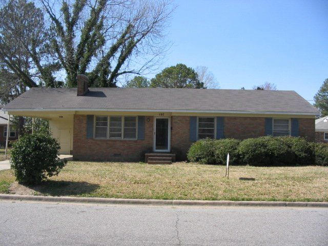 Home I really like- 3bed 2 ba, fenced in backyard $750