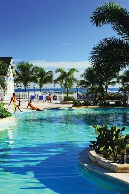 Interval International | Booking 7.4 Resort Directory St. Kitts Marriott Resort & The Royal Beach Casino