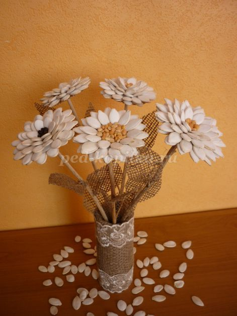 Цветы из тыквенных семечек своими руками. Мастер-класс с пошаговыми фото