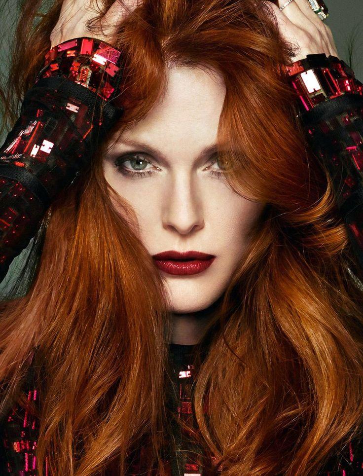 Julianne Moore   Julianne moore, Makeup + hair, Photoshoot