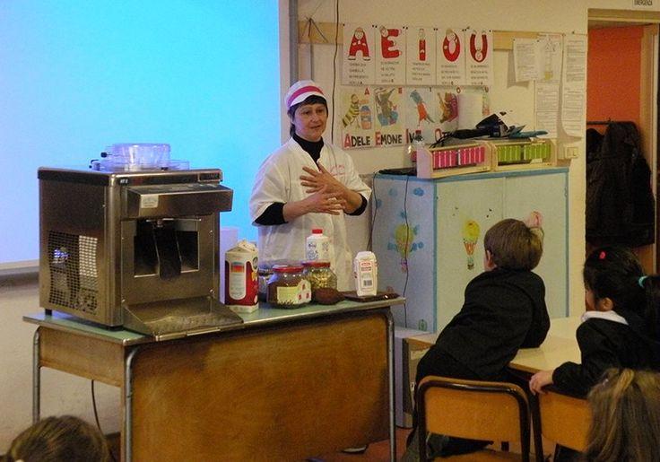 16/3/2016. Scuolartigiana. Marinella Franceschi e i segreti del Gelato Artigianale con i bambini della Tortelli di Capolona
