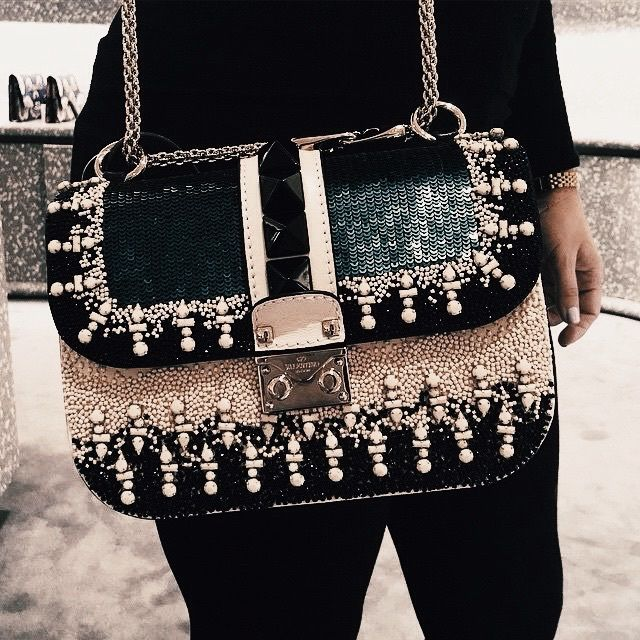 """Valentino """"Glam lock"""" bag with sequins and pearls details - Anastassia Krez"""