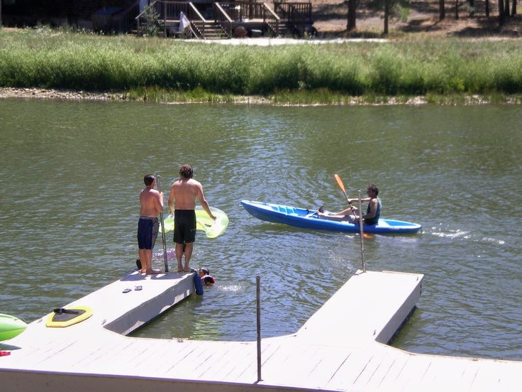 Fun on the lake in Big Bear at Mallard Bay Resort. Kayaking, intertubing, and paddleboarding.