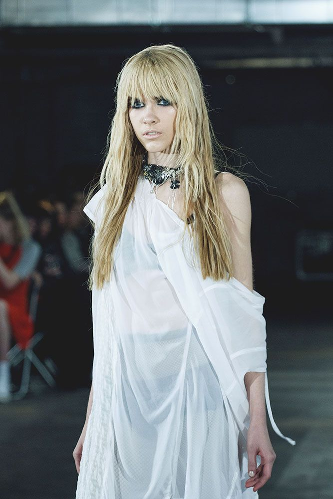 Thread - Fashion Industry, Trends, Lingerie, Models and Catwalk Shows