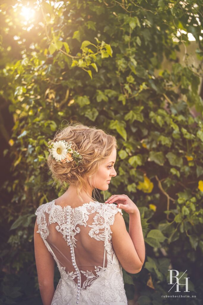 Lace weddingdress, bride, weddingphotography