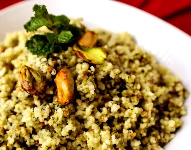 O cuscuz (ou couscous?) marroquino tem seu lugar cativo na despensa de casa. Além de ser super versátil porque combina com qualquer carne, ainda é hiper prático: rápido e fácil de preparar — …