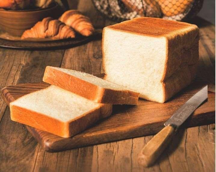 「フランス産発酵バター入食パン」(ブレドール)