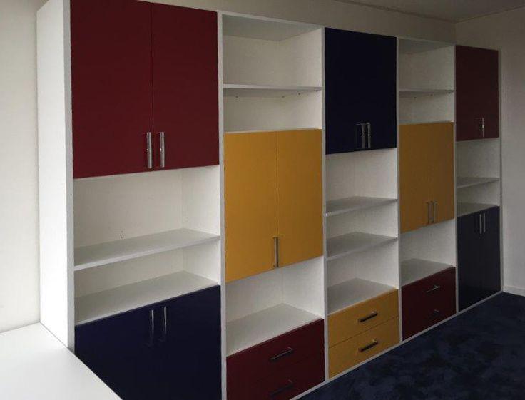 Kantoorkast voor ordners Piet Mondriaan stijl
