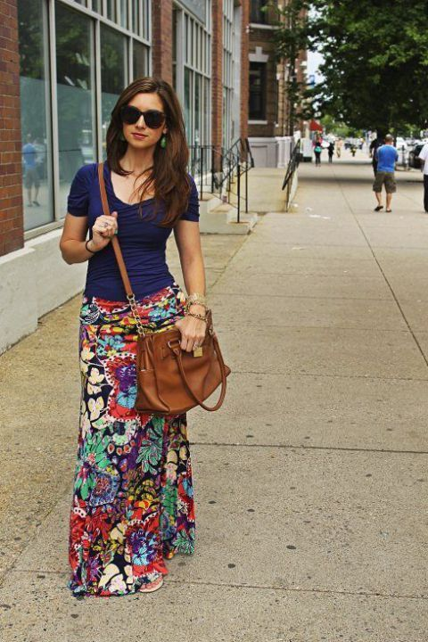 Maxi skirt and T-shirt