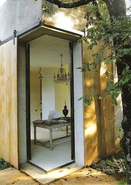 ✕ From linen & lavender: Design Daily - secluded studio    http://www.linenandlavender.net/2009/11/design-daily_03.html# / #office: Window Screens, Decor Ideas, Hidden Doors, Beautiful Living, Living Spaces, Design Daily, The Great Outdoors, Cool Doors, Sliding Doors
