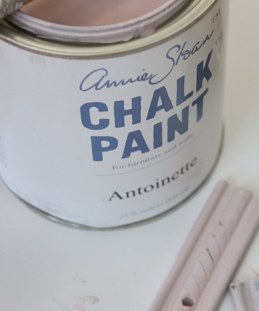 How to properly apply chalk paint and apply wax to furniture.