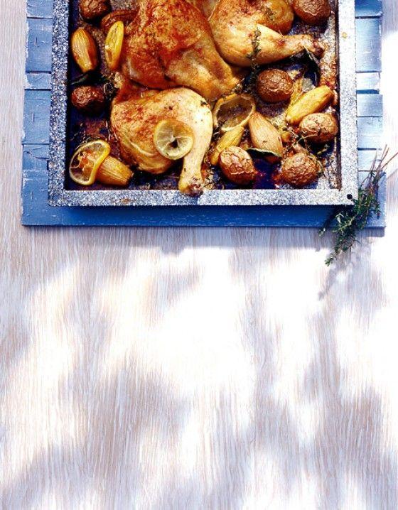 Zitronenhuhn mit Kartoffeln und Schalotten