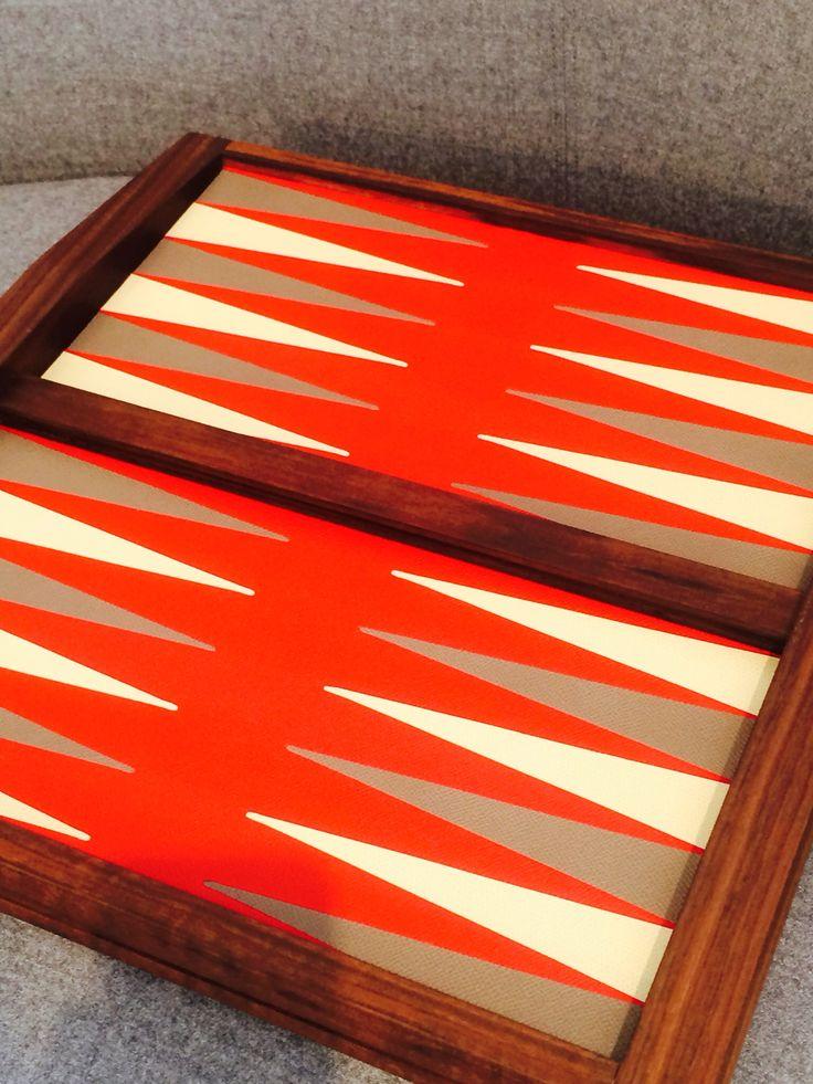 Backgammon board in Walnut and leather