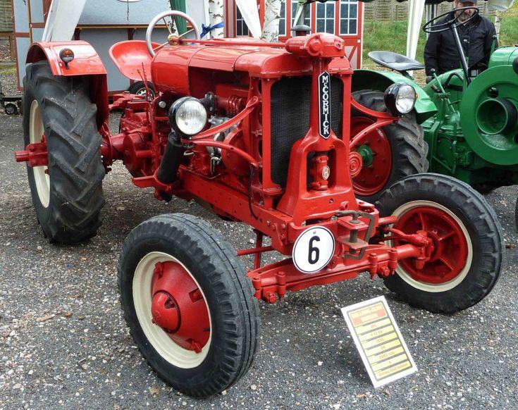 IHC F 12 GH, Bj. 1939, 24 PS, gesehen bei der Oldtimerausstellung der Traktor-Oldtimer-Freunde Wiershausen, April 2012