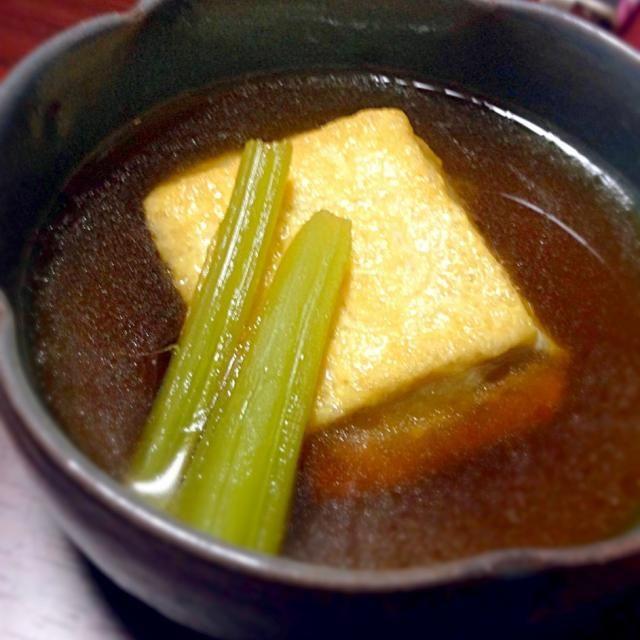 揚げ出し豆腐にブロッコリーの茎を茹でて皮を剥いたものを添えました♪ - 3件のもぐもぐ - 揚げ出し豆腐♪ by tomatonishikawa