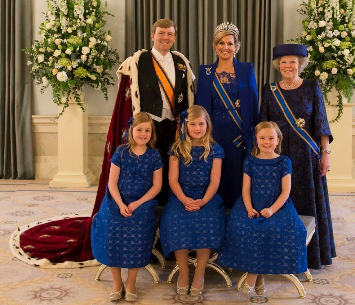 Offical Picture, Investiture of King Willem-Alexander and Queen Máxima of the Netherlands, 04/30/13. In the photo King Willem-Alexander, Queen Máxima, Princess Beatrix, Crown Princess Catharina-Amalia, Princess Alexia, and Princess Ariane.