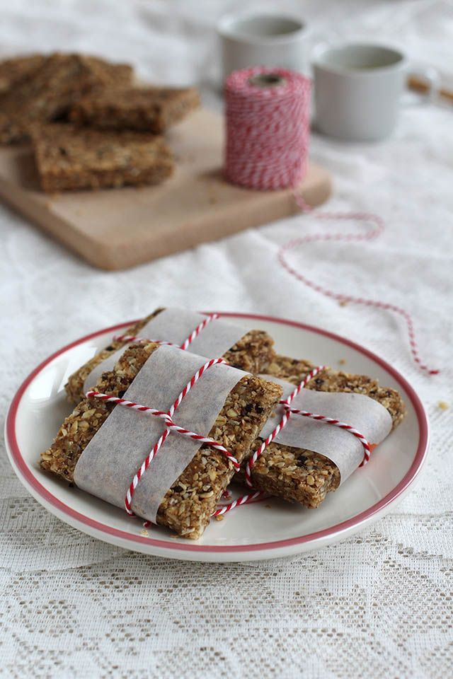 Peanut butter oat bars with chocolate chunks, almonds and sesame seeds   Yellow lemon tree